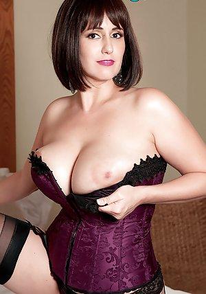 Mature Nipples Pics